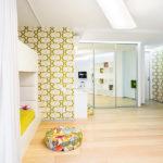 Дизайн интерьера детской в белом цвете